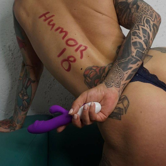 Naked astronaut — pic 6